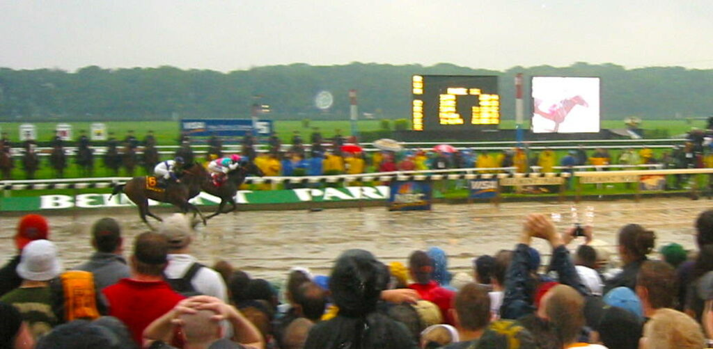 Empire Maker wins the 2013 Belmont Stakes