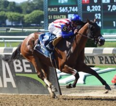 American Gal Gives Patriotic Performance in G3 Victory Ride