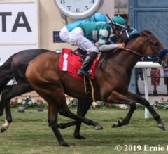 Encoder Outfights Billy Batts in Del Mar Juvenile Turf