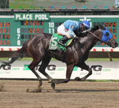 Prancing Warrior scores upset in Saturday's featured Spruce Fir